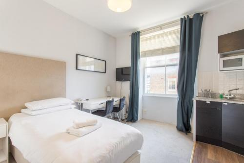 212 Twin Private W1U - 42 Gloucester place Room-212